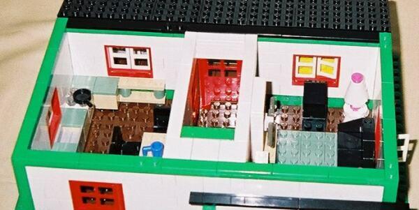 Farmhouse Downloadable LEGO Building Instructions Lions