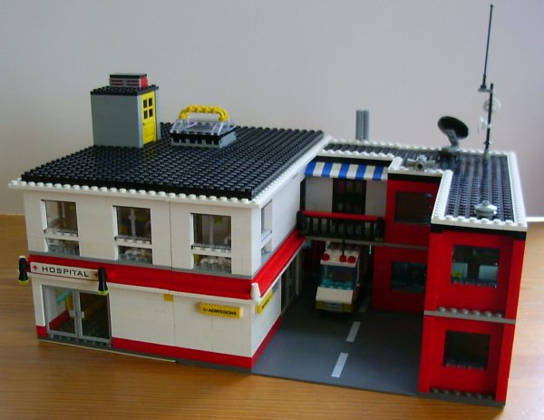 Red amp White Hospital LEGO Building Instructions Lions